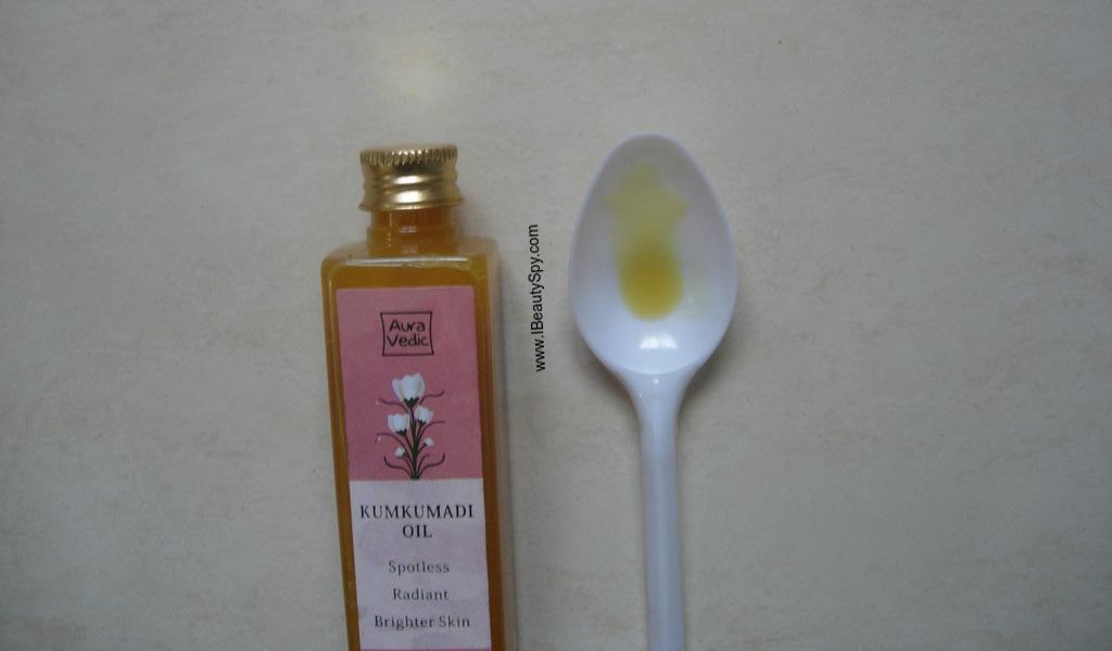 auravedic_kumkumadi_oil_swatch