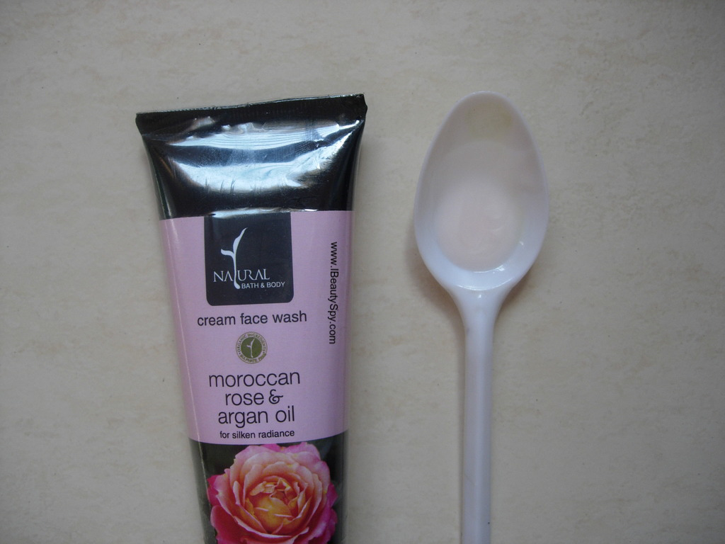 natural_bath_body_moroccan_rose_argan_oil_face_wash_swatch